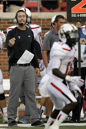 Fresh walk-on QB 5 TDs, Texas Tech beats SMU 41-23
