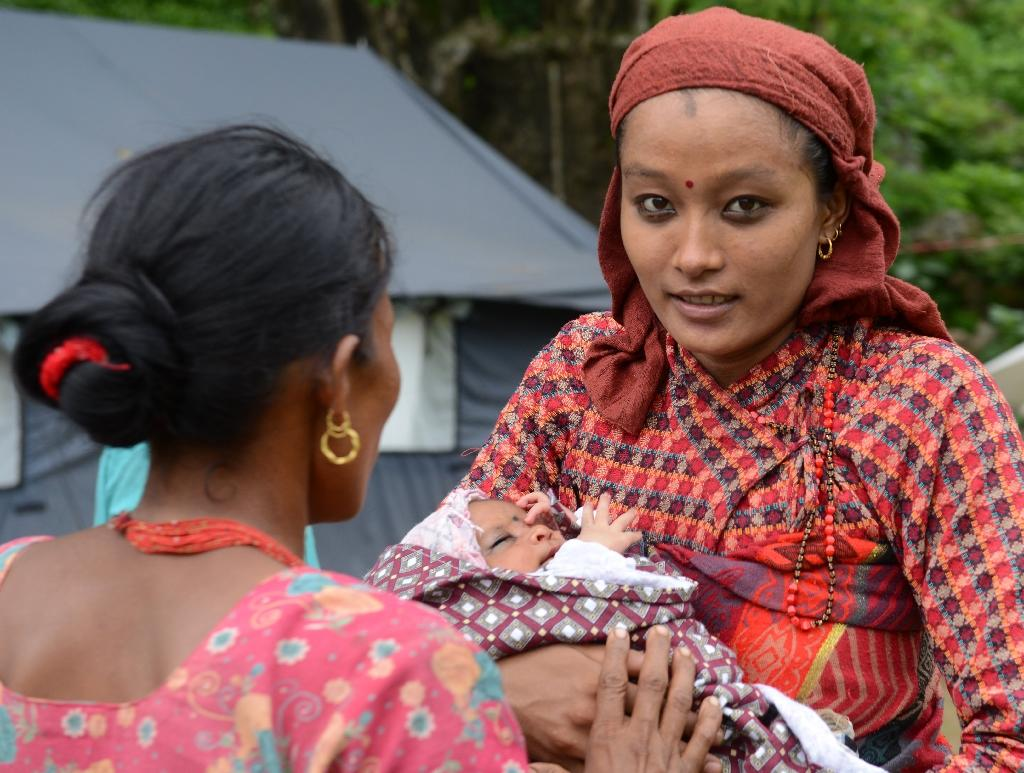 Fears grow for Nepal's pregnant women after quake
