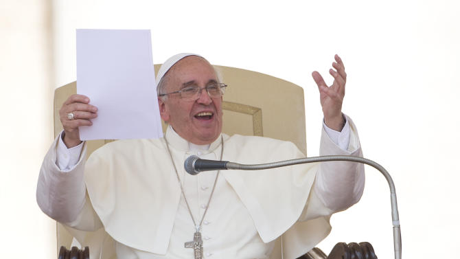 Pope names commission of inquiry into Vatican bank