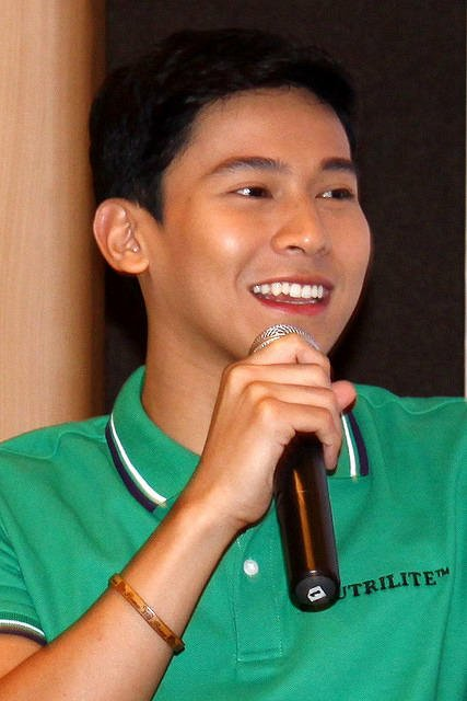 Enchong Dee