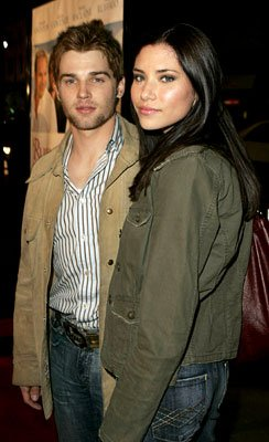 Premiere: Mike Vogel and wife Courtney at the LA premiere of Warner Bros.' Rumor Has It... - 12/15/2005