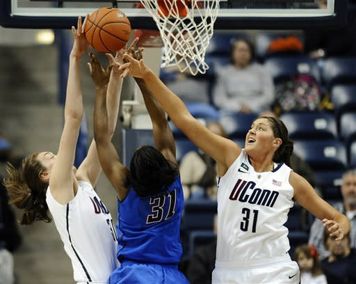 Dolson leads No. 3 UConn women over DePaul 91-44