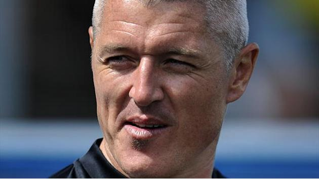 League One - Carlisle boss defends Meppen-Walter