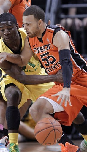 No. 24 Oregon beats Oregon State 85-75