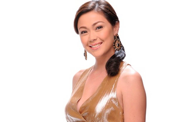 Jodi Sta_ Maria Wedding Pictures http://ph.omg.yahoo.com/news/jodi-to-son-thirdy--tito-jolo-is-not-daddy-jolo-044613542.html