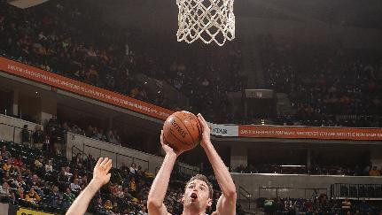 Pacers take easy rout in getting past Knicks 105-82