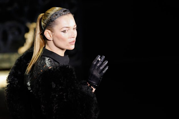 kate moss louis vuitton catwalk smokejpg Remember our delight when one of