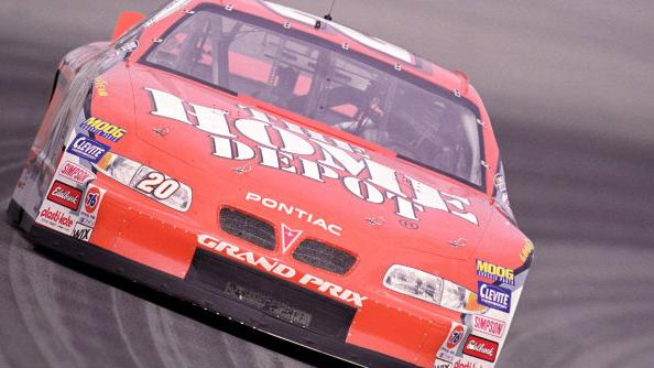 Retro Racing: Stewart fashions surprise sweep at Dover in 2000