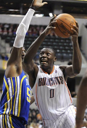 Hibbert leads Pacers to 108-73 win over Bobcats