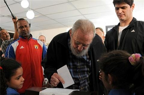 Fidel Castro votes in Cuba election