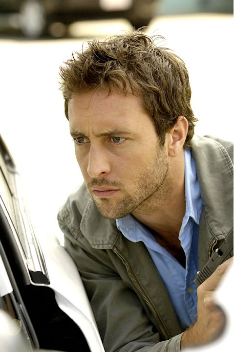 Alex Loughlin stars as Kevin Hiatt in The Shield.
