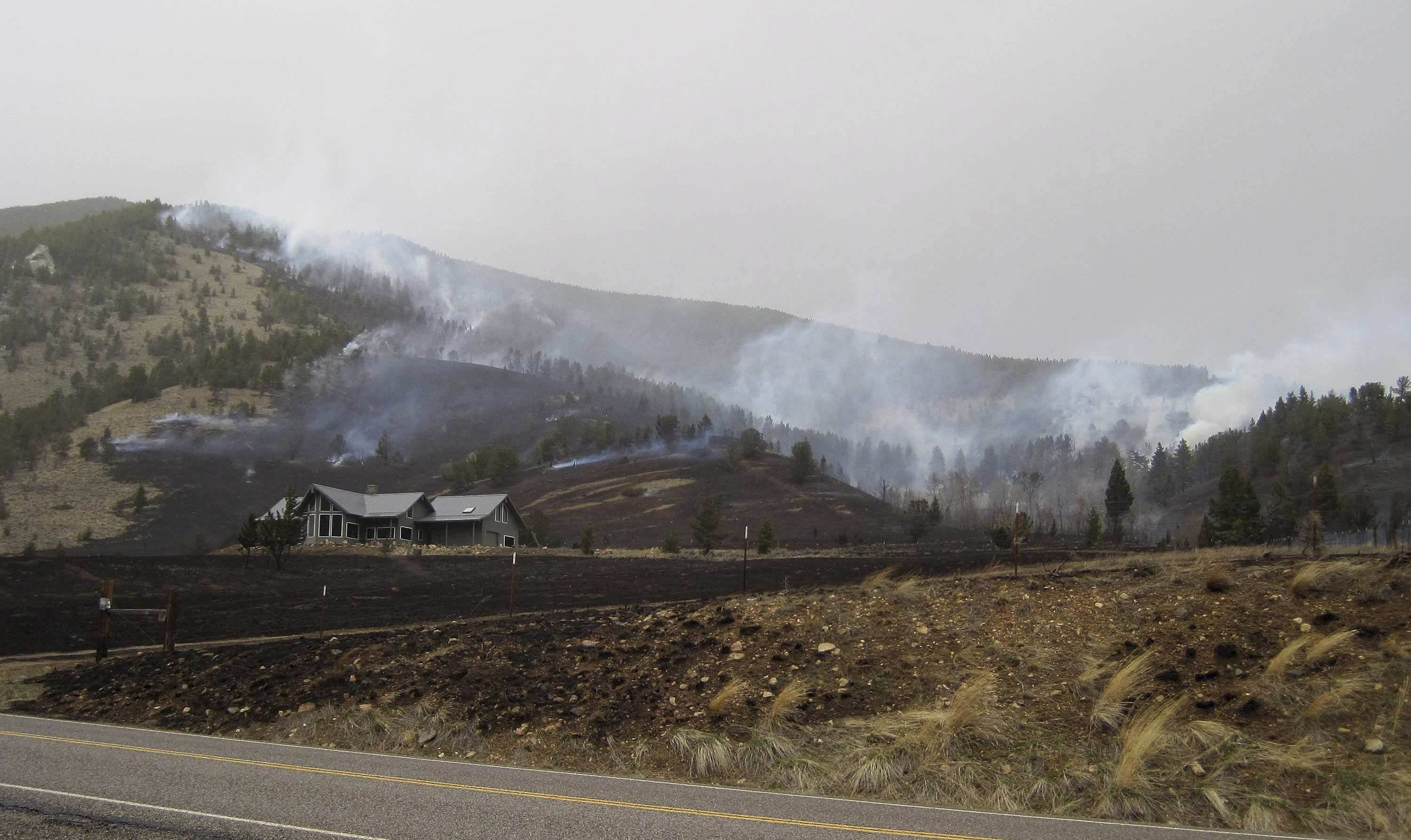 Montana wildfire expands, but evacuation lifted for ski area