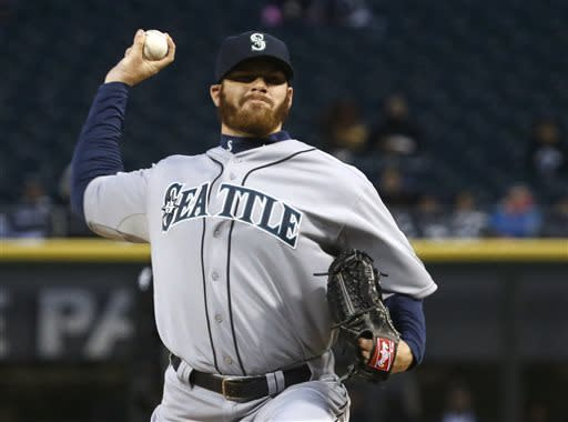 Mariners hold on for 8-7 victory over White Sox