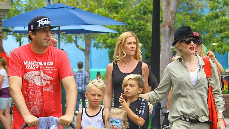 Gwen Stefani Takes Her Boys To Knotts Berry Farm