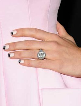 Get Jessica Biel's Amazing Silver and Pink Nails With Our Amazing 'How-To'