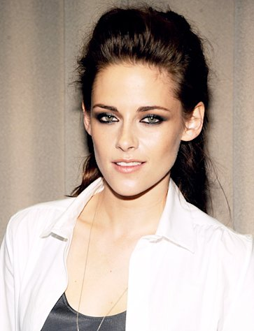 Kristen Stewart Buys New Los Feliz Home for $2.1 Million Near Robert Pattinson, Source Confirms