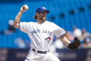 Dickey wins 2nd straight, Blue Jays beat Rays 7-5