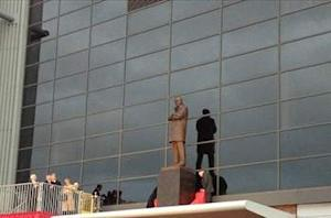 Sir Alex Ferguson statue unveiled at Old Trafford