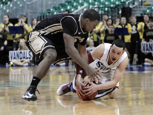 Mullings helps New Mexico State defeat Idaho 65-49