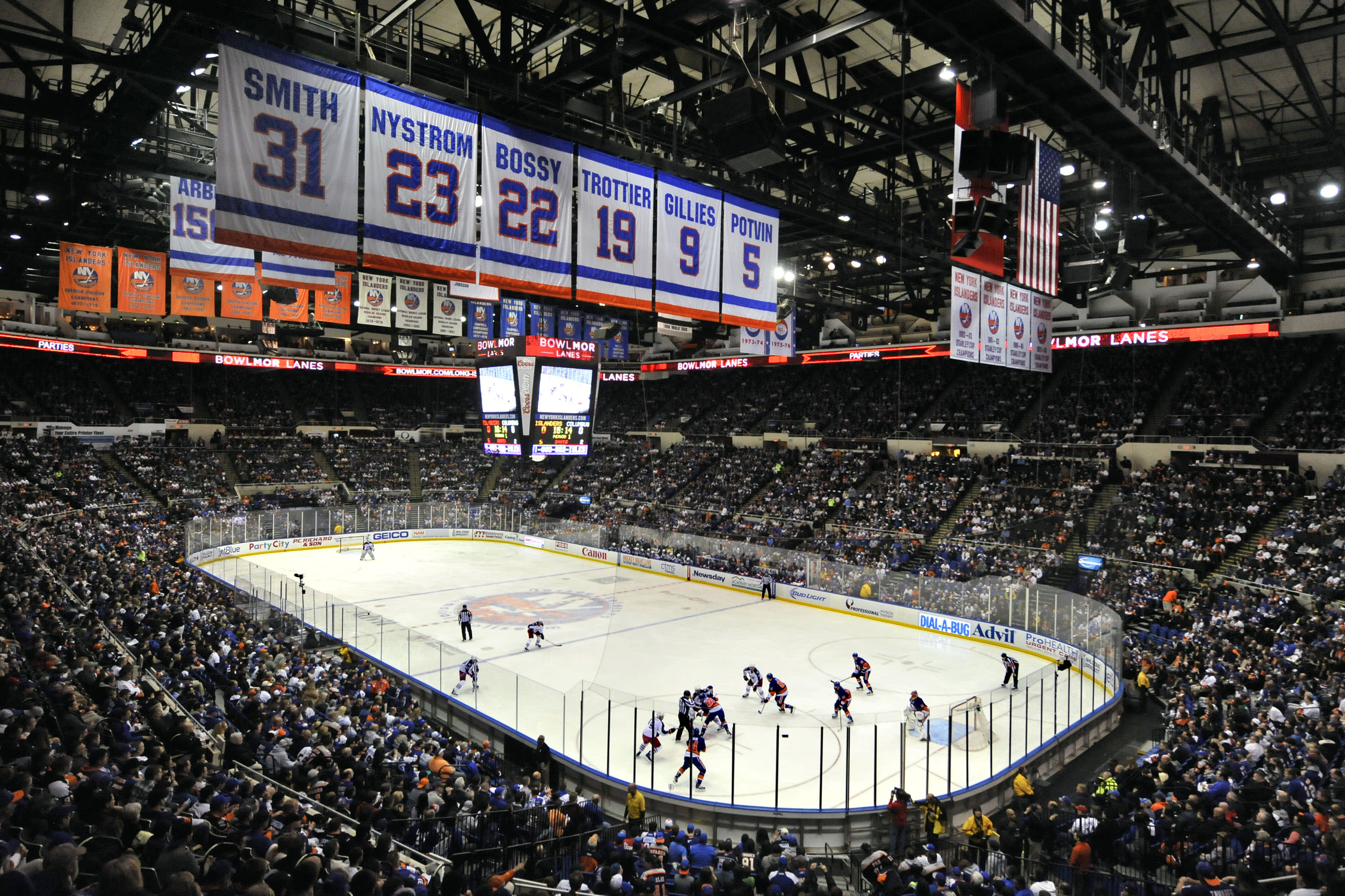 NY Islanders, fans count down final days on Long Island