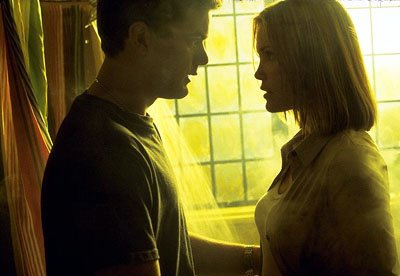Joshua Jackson as Luke and Leslie Bibb as Chloe in Universal's The Skulls