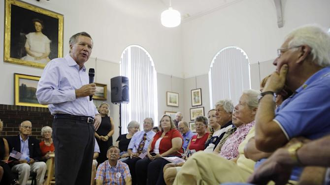 Republican presidential candidate, Ohio Gov. John Kasich speaks during a town hall meeting at the Historical Society of Cheshire County, Friday, July 31, 2015, in Keene, N.H. (AP Photo/Jim Cole)