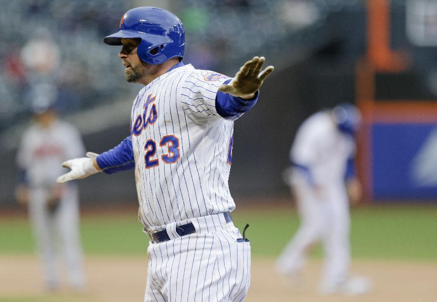 LEADING OFF: Mets go for record 12th win in row, visit Yanks