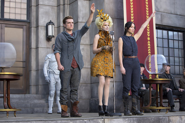 Josh Hutcherson, Elizabeth Banks and Jennifer Lawrence in 'The Hunger Games: Catching Fire'