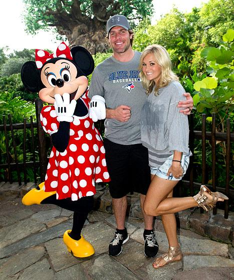 "Carrie Underwood: Mike Fisher ""Loves Me and All of My Craziness!"""