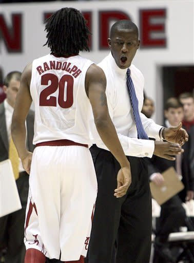 Lacey lifts Alabama over Texas A&M 50-49