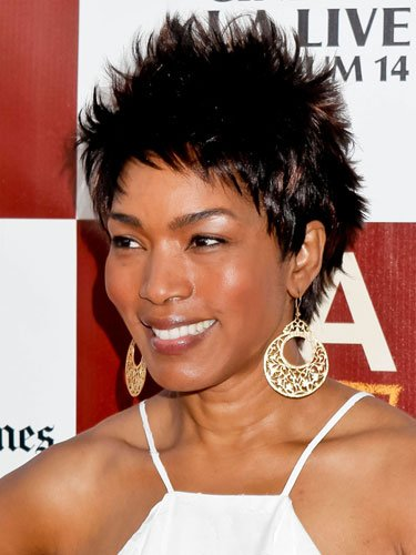 Short: Angela Bassett