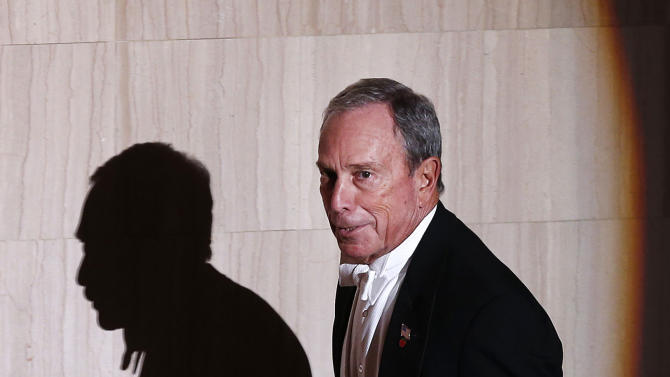 New York Mayor Michael Bloomberg is introduced as he takes the dais during the Alfred E. Smith Memorial Foundation Dinner, a charity gala organized by the Archdiocese of New York, at the Waldorf-Astoria hotel, Thursday, Oct. 17, 2013, in New York. (AP Photo/Jason DeCrow)