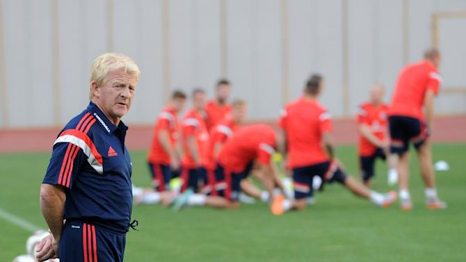 Head coach of the Scottish national football team Gordon Strachan attends a training session in Tbilisi on September 3, 2015