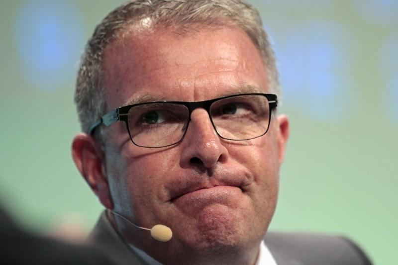 Good summer gives Lufthansa CEO confidence for 2015 goals