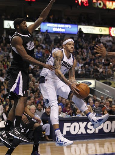 Mavs rout Kings 99-60 for fifth straight win