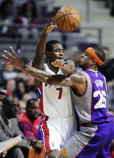 Pistons rout Suns for first win streak of season