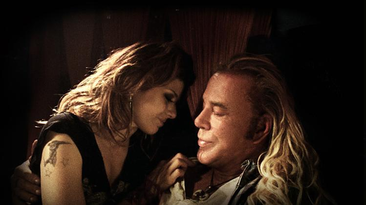 Marisa Tomei Mickey Rourke The Wrestler Production Stills Fox Searchlight 2008