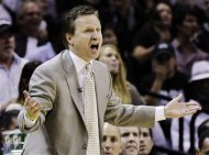 Oklahoma City Thunder head coach Scott Brooks reacts against the San Antonio Spurs during the second half of Game 2 in their NBA basketball Western Conference finals playoff series, Tuesday, May 29, 2012, in San Antonio. The Spurs won 120-111. (AP Photo/Eric Gay)