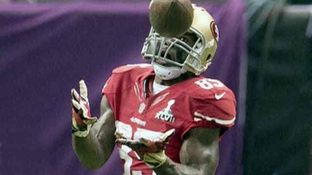 Vernon Davis talks 49ers future, football safety, foundation