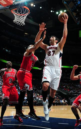 Deng's 3-pointers lead Bulls past Hawks 98-77