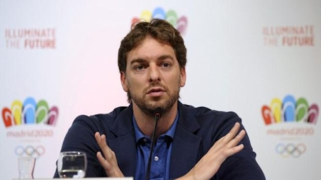Spain's basketball player Pau Gasol attends a news conference in Buenos Aires (Reuters)