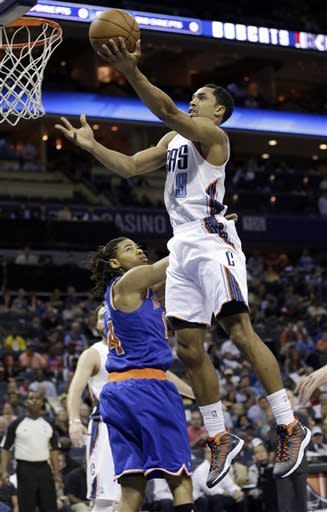 Henderson, Walker lead Bobcats over Knicks 106-95