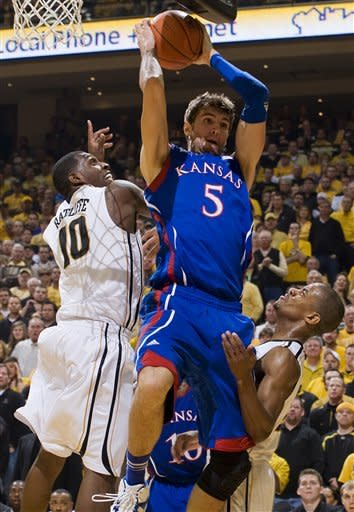 No. 4 Missouri rallies past No. 8 Kansas 74-71