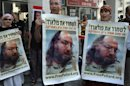 Israelis protest in front of the US embassy in Tel Aviv to call for the release of Jonathan Pollard, in 2011