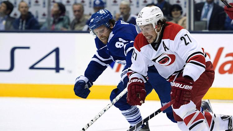 Hurricanes rally for 3-2 victory over Maple Leafs