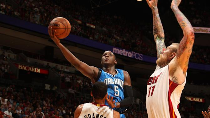 Magic hold off Heat at end, 102-101
