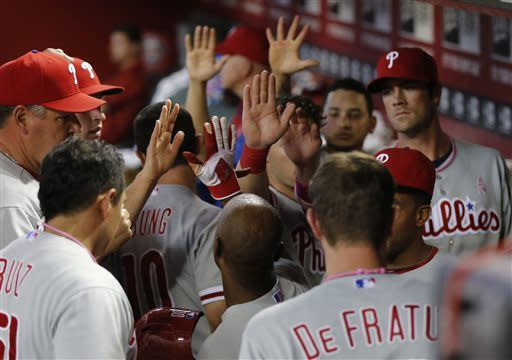 Phillies rally to beat D-backs 4-2 in 10 innings
