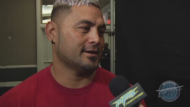 Mark Hunt says getting to Las Vegas late due to visa issue hasn't affected him