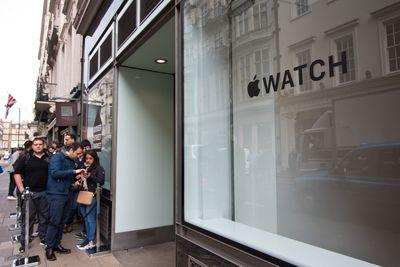 The Apple Watch doesn't need techies to succeed