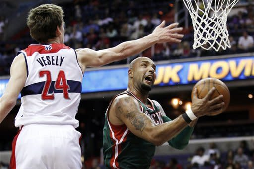 Bucks top Wizards, inch closer to 8th playoff spot
